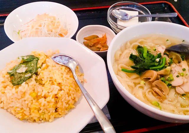 アリオ札幌で初 「刀削麺」 53