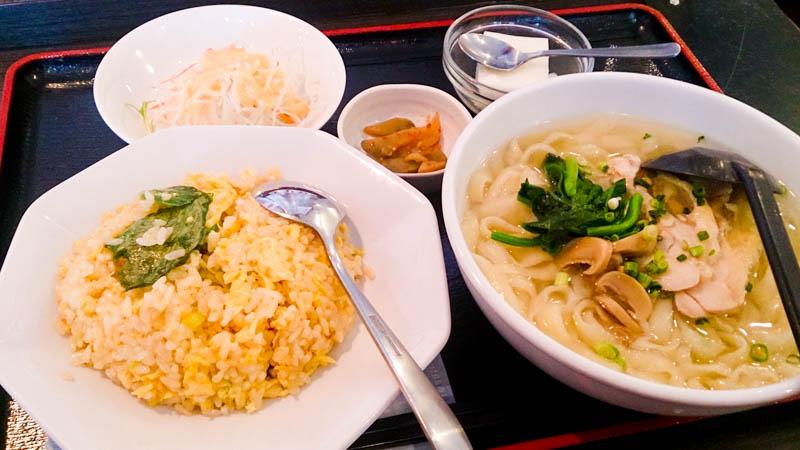 アリオ札幌で初 「刀削麺」 1