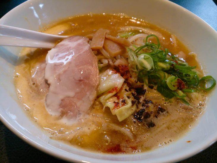 麺eiji 平岸ベース 自家製麺の美味いラーメン 2