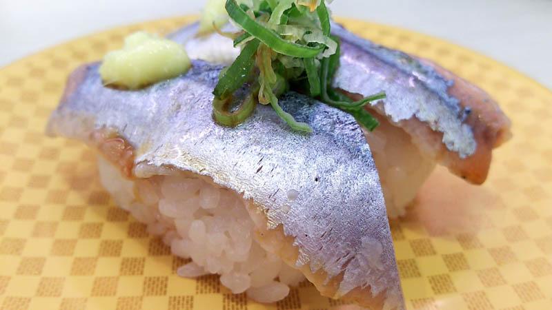 回転しない100円回転寿司で昼食 1