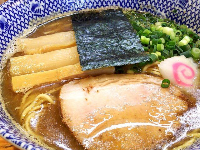 自家製麺の煮干しラーメン「侘助」 10