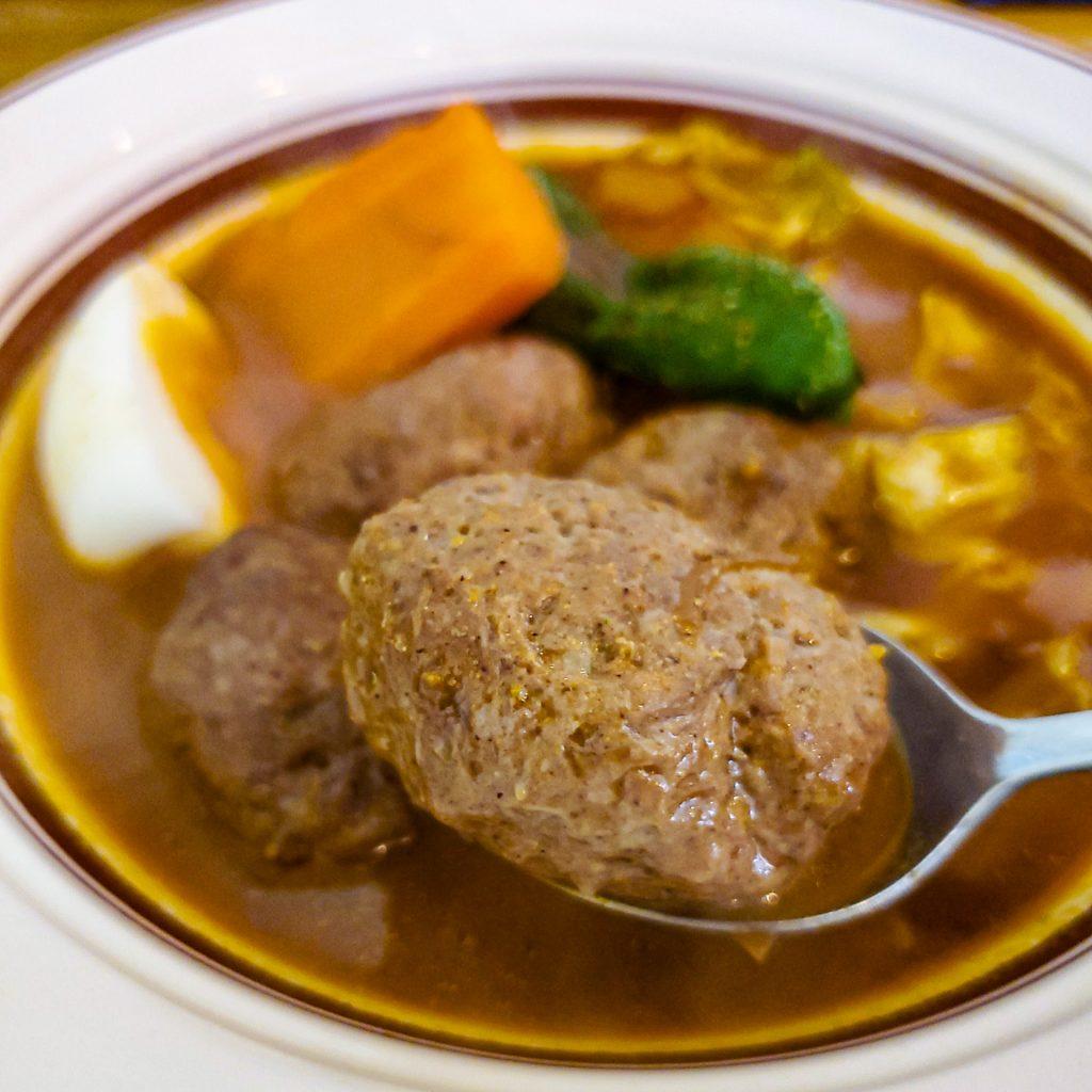 「スープカレー店 34 (THIRTY FOUR)」スープカレーに最高のトッピング有り! その五香薬味って? 8