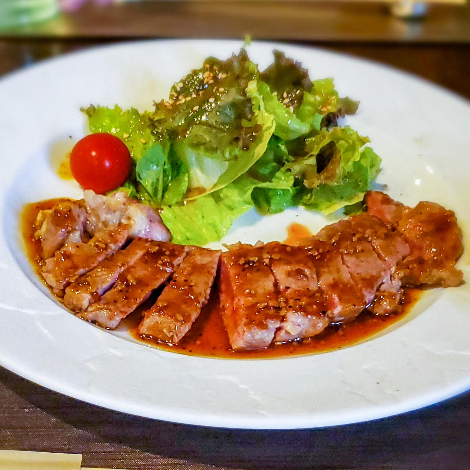 サーロインステーキをおしゃれな鉄板焼専門店でランチする「鉄板小町」 2