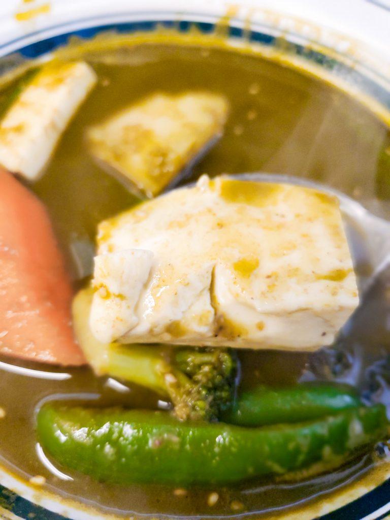 青汁とカレーの相性は? 体に良い事に違いないスープカレー 「カレー魂 デストロイヤー」 10