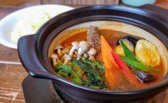 店内広々!快適な空間で食べる熱々スープカレー「南インドスープカレー 天竺 」 11