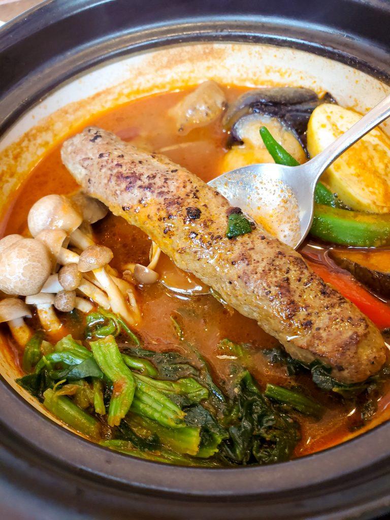 店内広々!快適な空間で食べる熱々スープカレー「南インドスープカレー 天竺 」 12