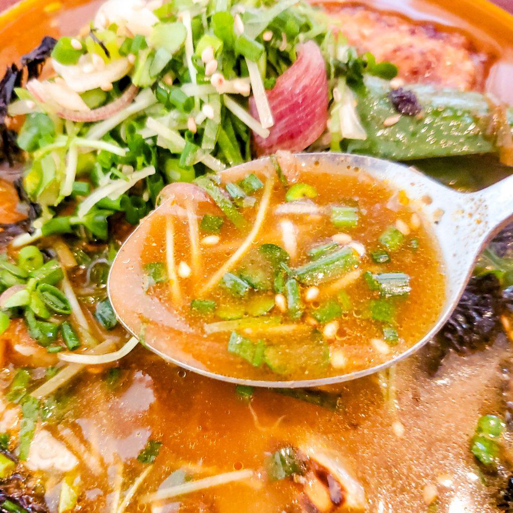 「スープカレー店 34 (THIRTY FOUR)」スープカレーに最高のトッピング有り! その五香薬味って? 7