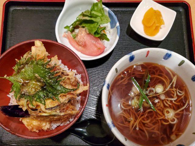 名水手打そば処 大草 | 昭和な飲食ビルの地下1階にある蕎麦屋さん 11