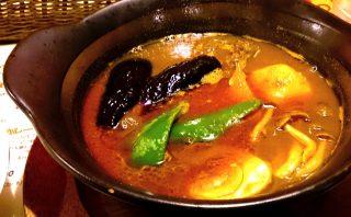 店内広々!快適な空間で食べる熱々スープカレー「南インドスープカレー 天竺 」 7