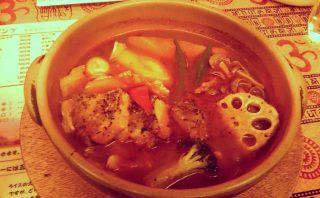 店内広々!快適な空間で食べる熱々スープカレー「南インドスープカレー 天竺 」 6
