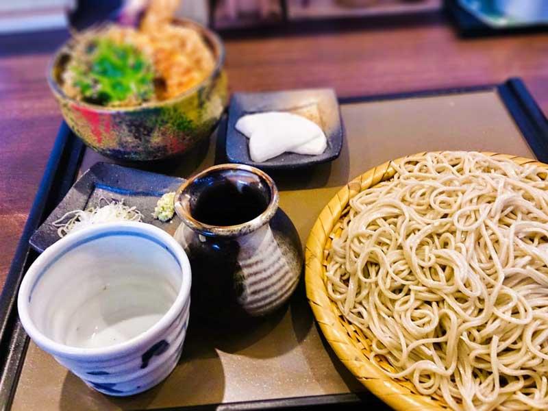 天丼と大盛り蕎麦 12