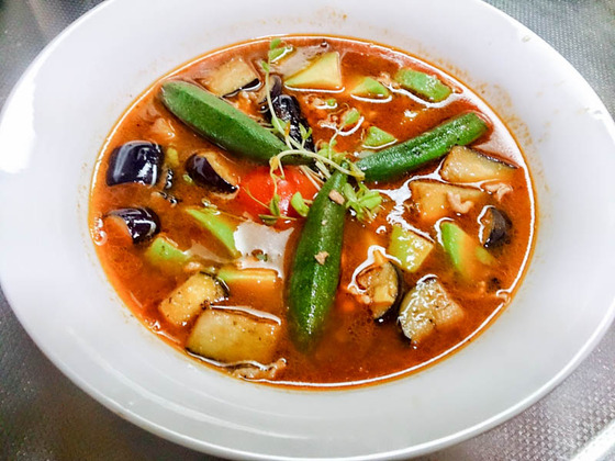 オクラとナスとアボカドのスープ… 2