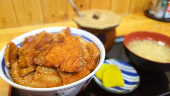 帯広名物 豚丼 2