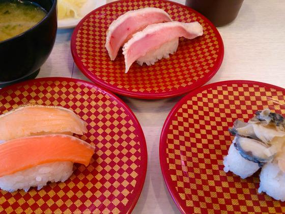 回転しない100円回転寿司で昼食 3