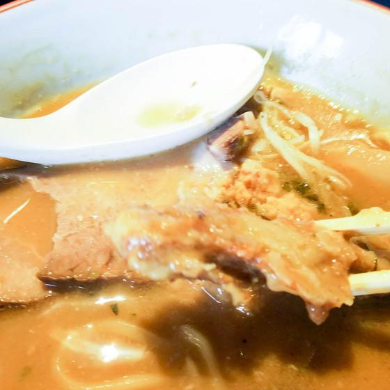 雨は、やさしくの2号店で濃厚鶏白湯ラーメン 5