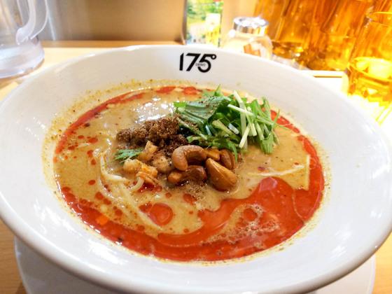 痺れる辛さの175°DENO 担々麺 5
