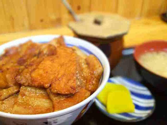 帯広名物 豚丼 9