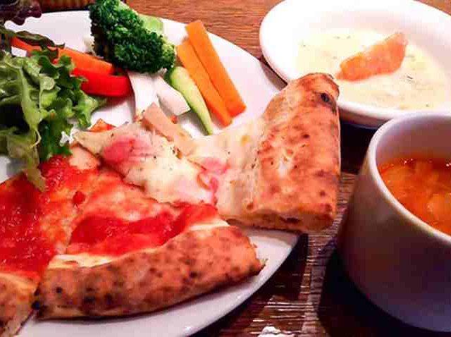 SALVATORE CUOMO & BAR 札幌のピザ&パスタ 10