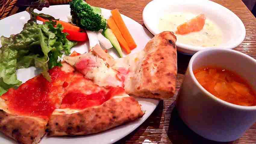 SALVATORE CUOMO & BAR 札幌のピザ&パスタ 1